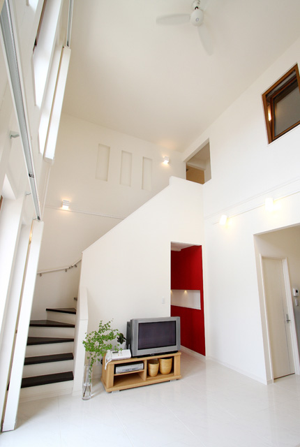 白を基調としたアーバンデザインの住まい