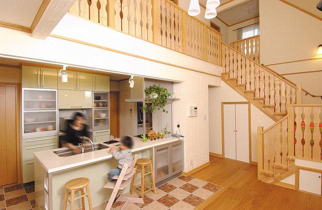 北洲ハウジングの家(会話が弾む、2階とつながる、家族を感じながら暮らせる家)