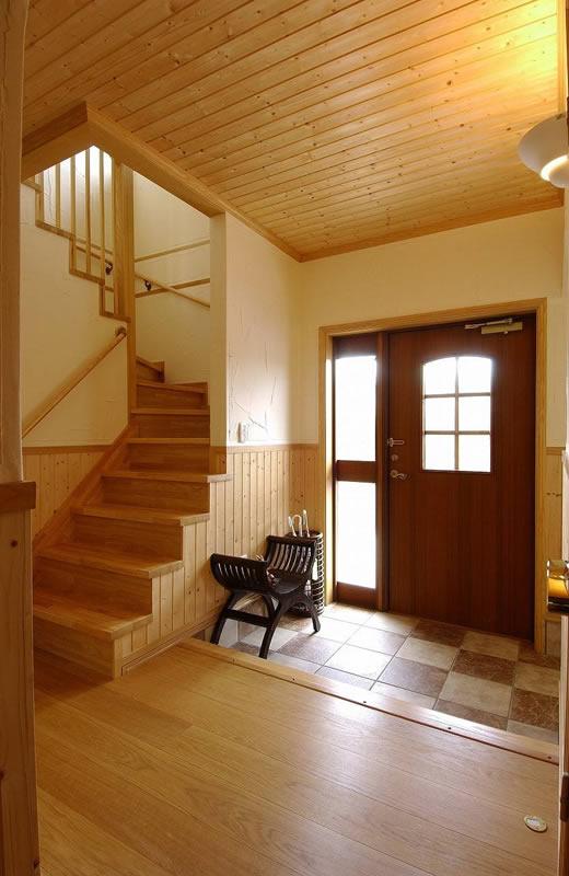 窓配置の工夫と住宅性能が可能にした北側リビングの家(北洲ハウジング)