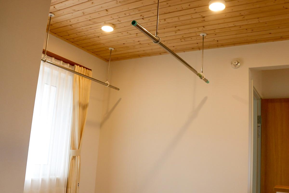 北洲ハウジングの家(室内でも洗濯物を干せるランドリースペース)