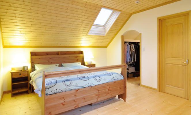 屋根裏部屋は寝室や子供部屋としてお使いになっています