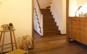 木製フロア 床材保護のための定期的なお手入れの画像